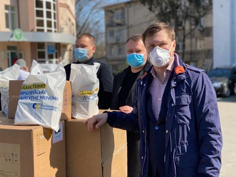 Вінницька міська лікарня отримала реанімаційне обладнання від Фонду Порошенка