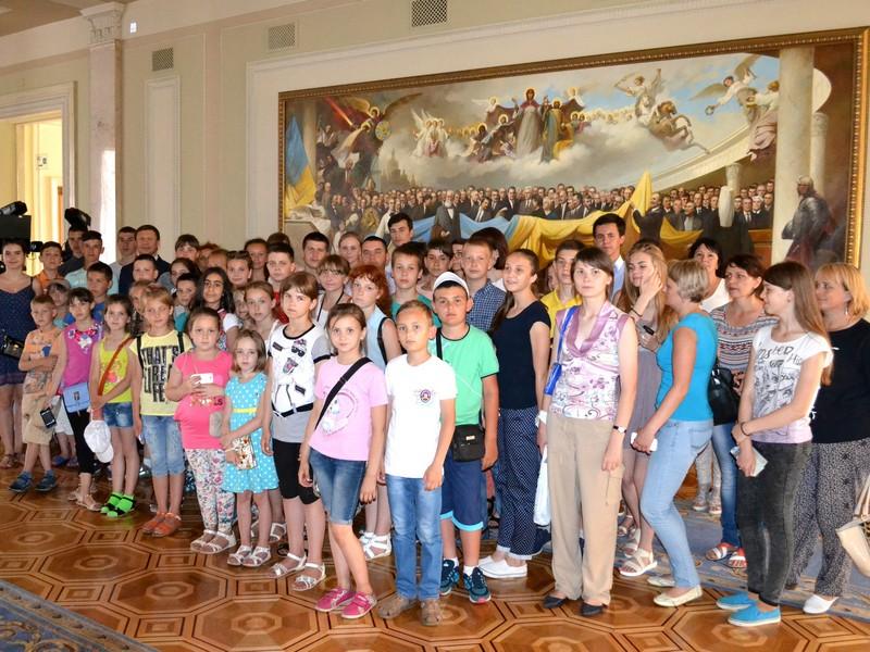 За сприяння Руслана Демчака Верховну Раду відвідали діти з Іллінеччини