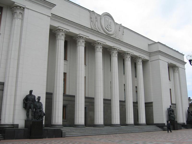 Нардепи Руслан Демчак, Олексій Порошенко та Іван Мельничук відкриті у своїй діяльності із виборцями
